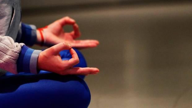 Proyecto establecería el 04 de noviembre como Día Nacional del Yoga