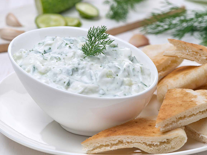 Lauki_Raita_Recipe_Grated_Bottle_Gourd_Yogurt_Salad-1