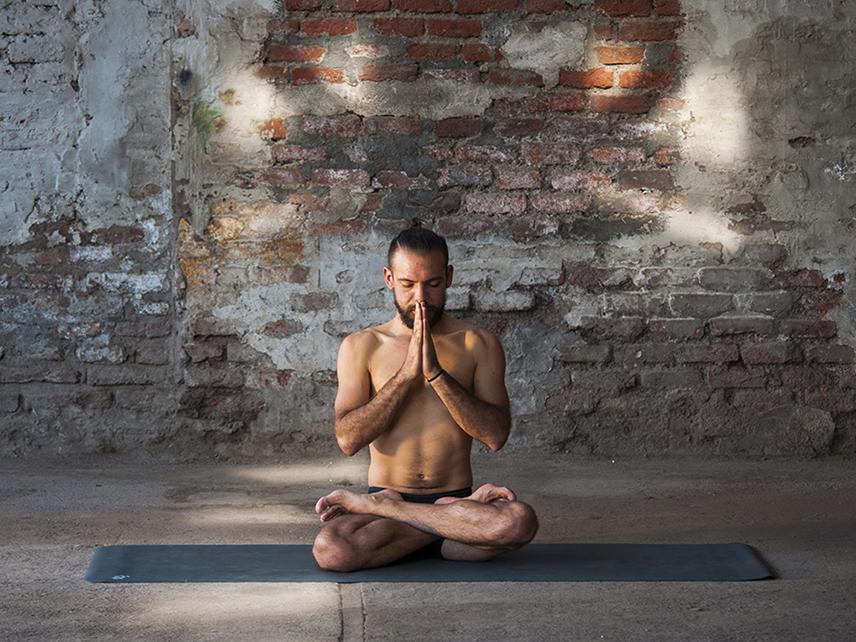 ¡La fuerza del yoga cambió la vida de Jose Troche!