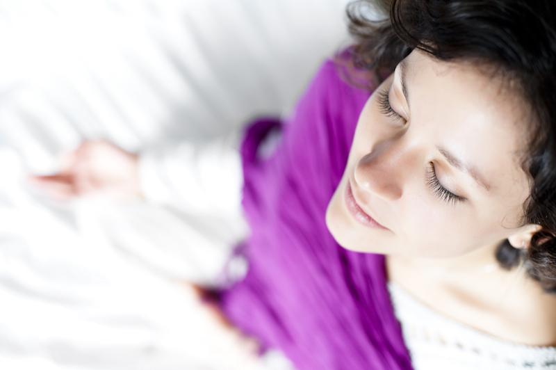 5 Posturas de Yoga para aliviar el dolor menstrual